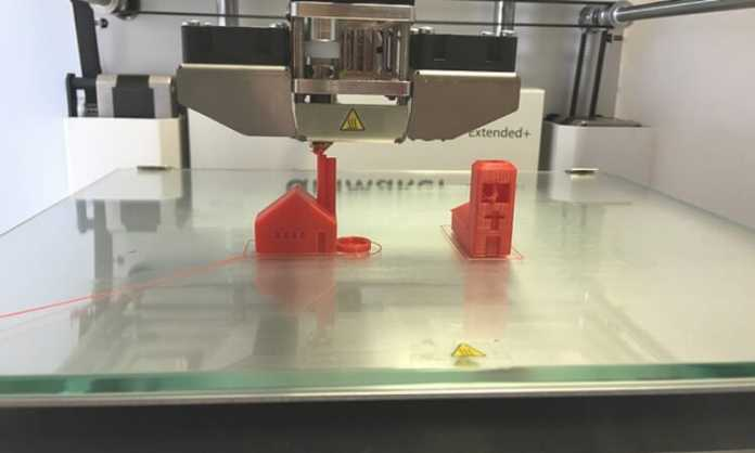 3D Printing Technology - 3D machine in action