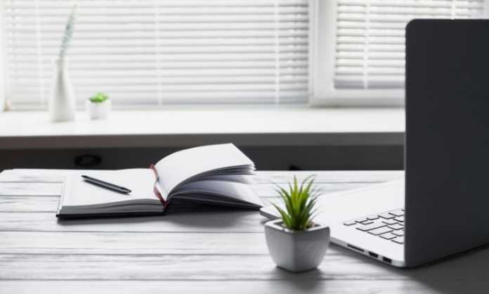 Benefits of Stand Up Desks
